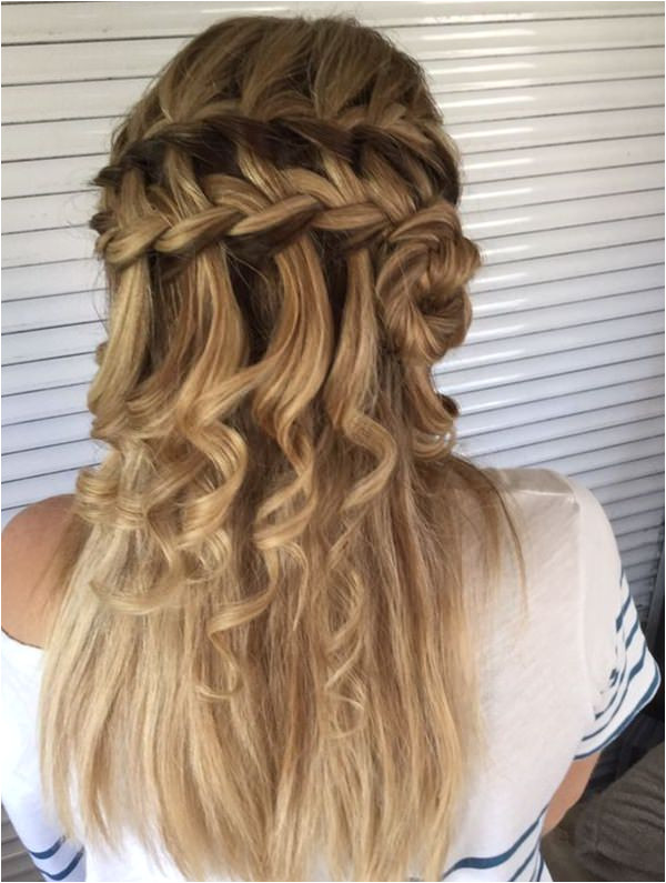 Twisted Knot in a Waterfall Braid