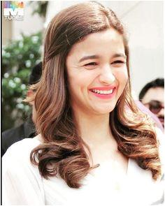 Alia Bhatt If you like than please follow Alia Bhatt Cute Indian Celebrities