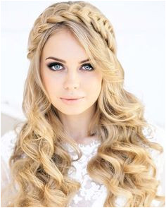 16 Cute and Modern Prom Hairstyles