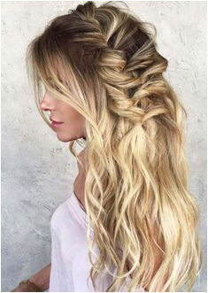 See here the best and most beautiful ideas of wedding hairstyles for women to wear on