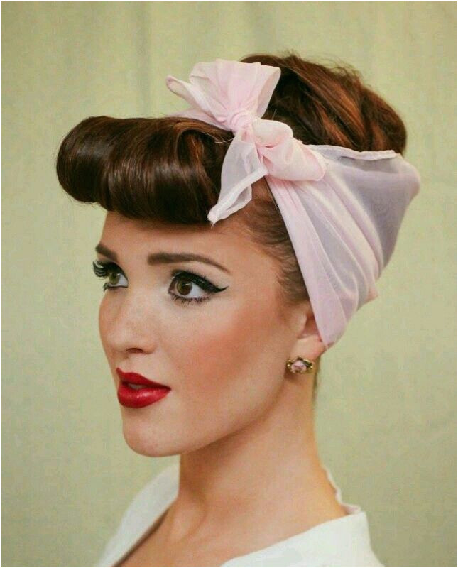 Diy 1950 S Hairstyles 50 S House Wife Makeup and Hairstyle Hair