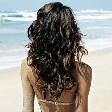 DIY Beach Waves mix 1 t epsom salt a few drops of olive oil 1 4 C H20 in a spritzer bottle and mist on damp hair The Beauty Thesis
