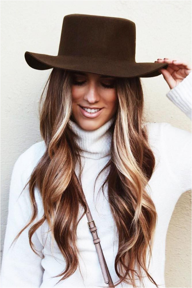 The nicest winter hairstyles to show off during the Holiday season and at a Christmas party