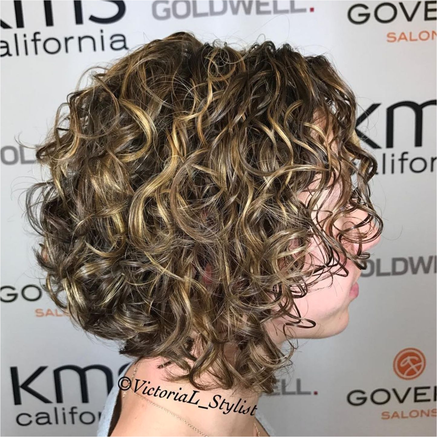 Curly Bob With Golden Blonde Highlights