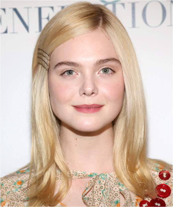 Elle Fanning s Exposed Bobby Pins