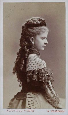 """Women in the the Victorian era wore beautiful long dresses appealing makeup and elegant hairstyles A woman¢€â""""¢s hair was often thought to"""