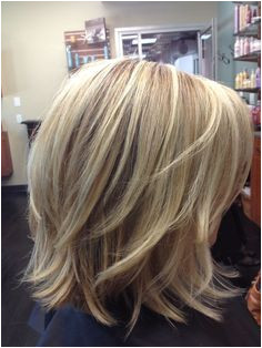 Trendy Medium Layered Hairstyles Easy Everyday Need darker but highlights are nice