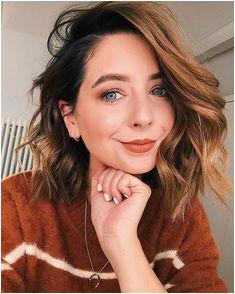 Hair Inspo Hair Inspiration Short Brunette Hair Short Dark Hair Gorgeous Hair Youtubers Zoe Sugg Hairspray Pretty Hairstyles