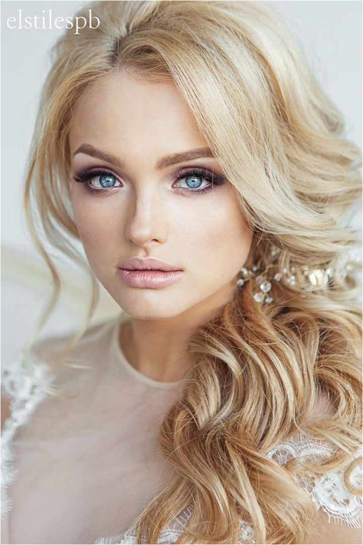 20 Luxury Prom Hairstyles Side Swept Curls
