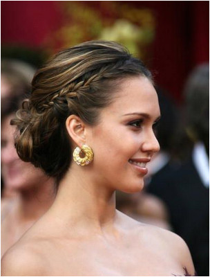 Jessica Alba s French braid pulled back