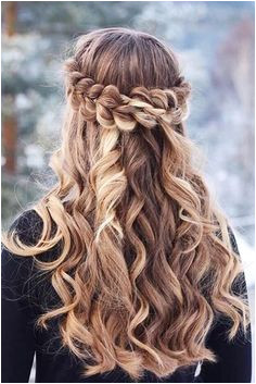 36 Amazing Graduation Hairstyles For Your Special Day Graduation Hairstyles Half Up Half DownDown