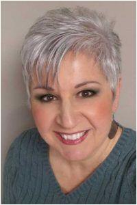 Short Haircut for Older Women Pixie Haarschnitt Haarschnitt