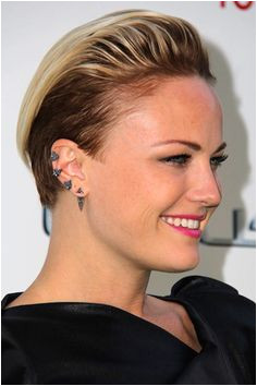 83 Awesome Women s Undercut Styles That Will Blow You Away New Medium Hairstyles