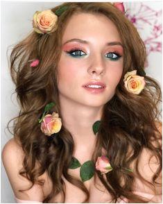 Сегодня ко мне приРетаРа фея 🧚 ♀ цветочного сада 😍 А вдохновиРась я вот этими спрей розами которые мне подариРмуж😊 Как вам Сочетаемые…