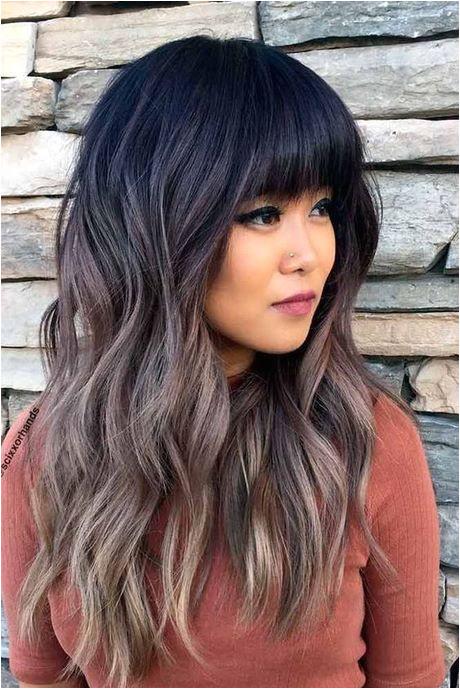 Haarschnitte für Frauen 2018 lange Haare strähnen lockigehaare haarfarben lila graue