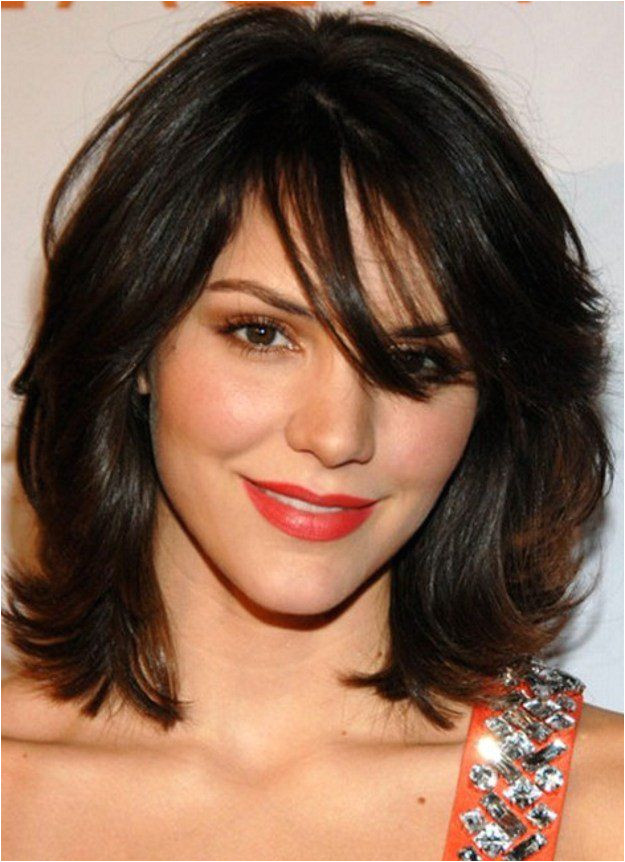 5 Medium Haircuts That Will Inspire You To Chop f Your Long Locks hair Pinterest