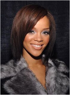 Rihanna s Medium Length Bob Straightened Weave Bob Hairstyles Cute Hairstyles For Medium Hair Rihanna