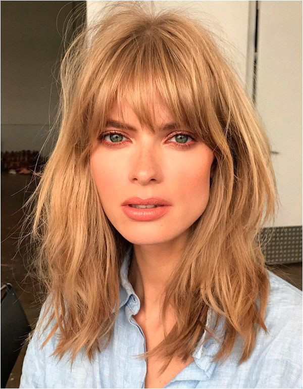 Curtain Bangs Shoulder length golden blonde messy hair Julia Stegner