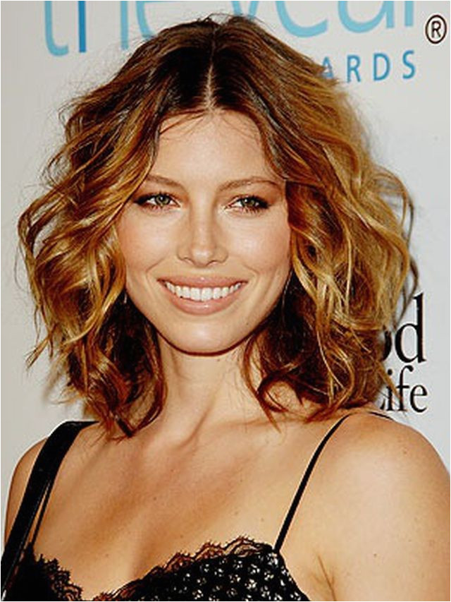 20 s of Short and Curly Hair Done Right Jessica Biel Curly Hair