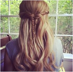 great quick every day hairstyle for long or medium length hair fishtail braid half
