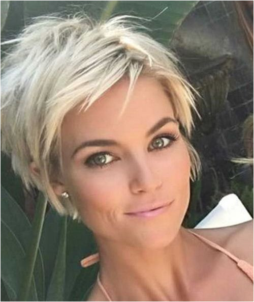 2017 Sassy Short Haircuts with Layers and Fringe Maybe a little too short for what I m looking for but I do like this look
