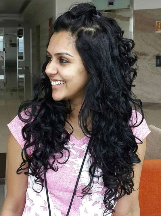 Hairstyles for Curly Hair while Wearing Saree 50 Best Indian Hairstyles You Must Try In 2018 Dazzle✨