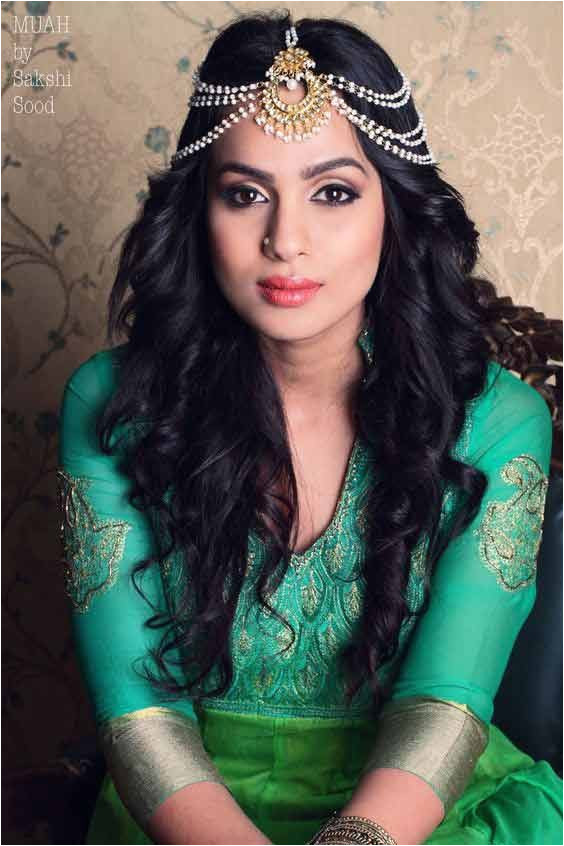 best matha patti or maang tikka hairstyles for party 2017 with curly open hair