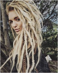Instagram post by cee𖠘 •&• тнe wolveѕ𖠶 • Jun 22 2016 at 9 44pm UTC White Dreads · Natural Dreads · Dreadlock Hairstyles