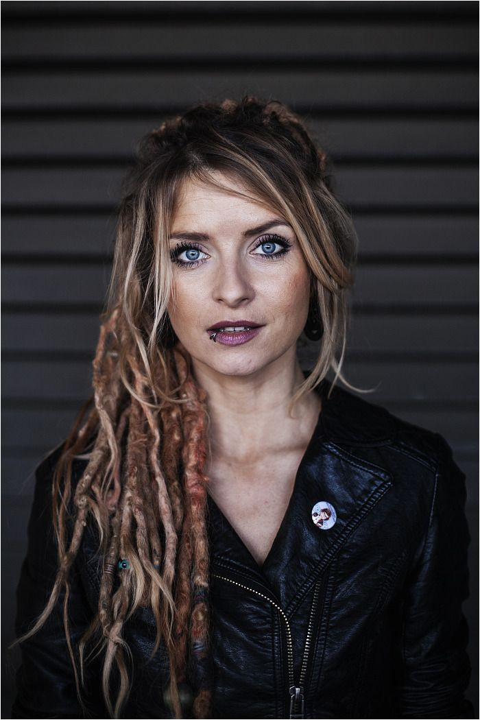 White Girl Dreads Dreads Girl Sarah Lesch Dread Hairstyles Dreadlocks Freckles