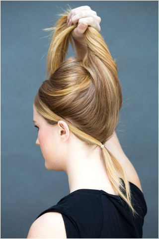 10 Hairstyles You Can Do in Literally 10 Seconds Work HairstylesEveryday