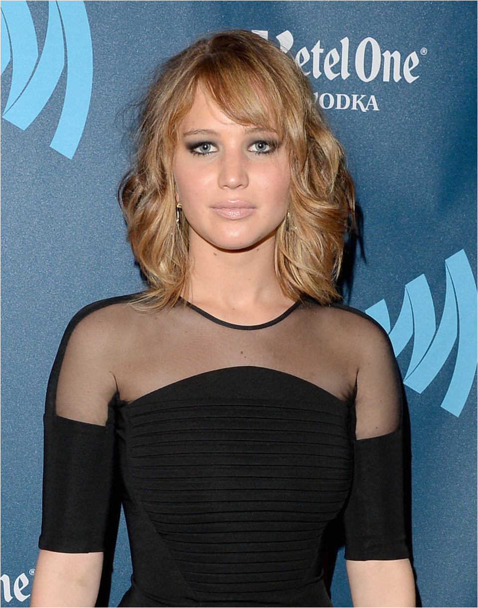 Round Face Side Swept Bangs