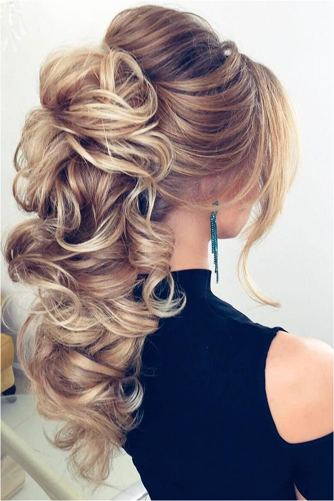 There are plenty of formal hairstyles for long hair which is of great luck as prom is approaching and you need to decide on your image