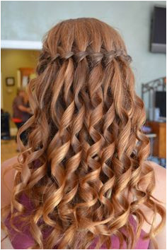 20 Stunning Short Hair Styles for Prom Ideas WITH PICTURES Girls School Hairstyles · Hairstyles For Graduation