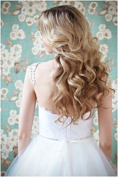 10 must see wedding ball gowns PS do you love her weddinghair