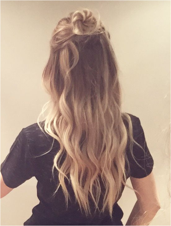 Half top knot X Reminds us of one of the newest CovetFashion Hair styles So cute