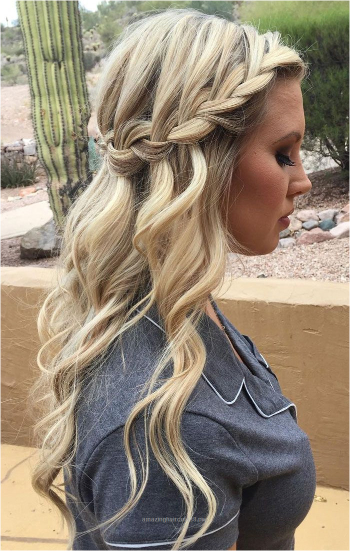 Superb Looking for boho effortless and casual hairstyle from prom hairstyle to wedding hairstyle