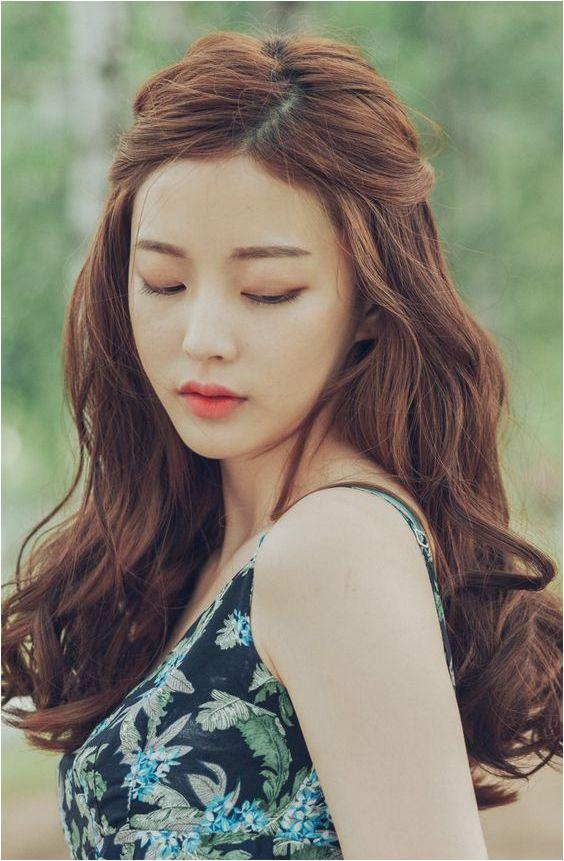 Lim Bora Asian Hair Korean Wavy Hair Korean Hair Color Brown Korean Curls