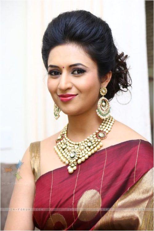 Juda hairstyle by Divyanka Tripathi