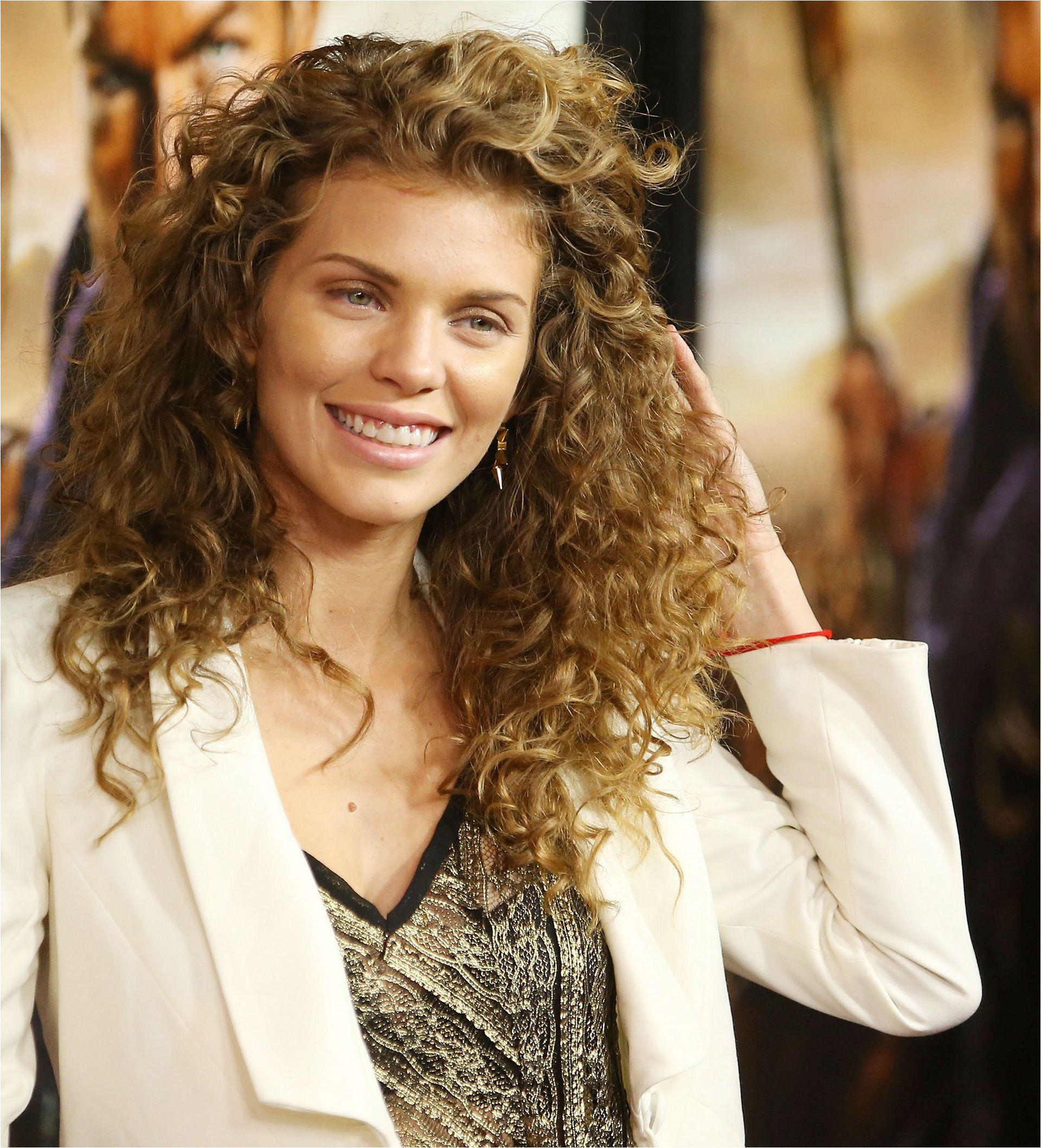 42 Easy Curly Hairstyles Short Medium and Long Haircuts for Curly Hair