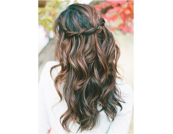 14 Stunning Ways to Wear Your Hair Down for Your Wedding
