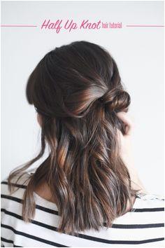 Hair Tutorial Half Up Knot in 4 easy steps
