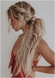 You can see here our most valuable and amazing ideas of fishtail braids for long hair