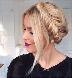 20 Stylish and Appropriate Every Day Hairstyles for Work Page 3 of 4 Trend