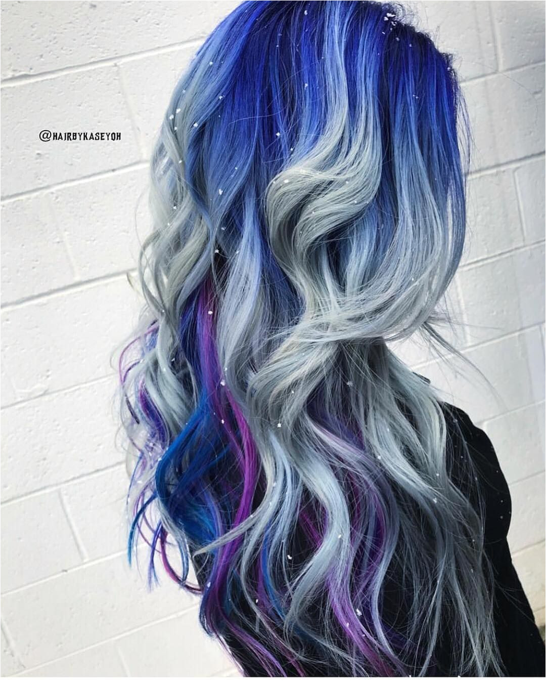 Falling Snowflakes hairbykaseyoh is the artist Pulp Riot is the paint pulpriothair hair winter haircolor hairstyle beauty