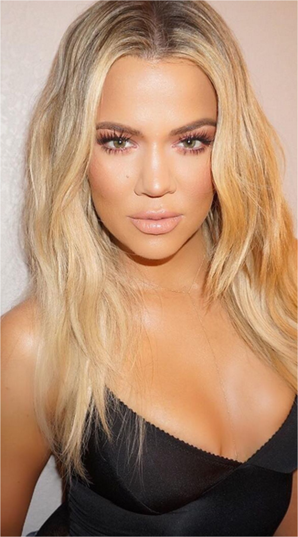 You won t believe what Khloe Kardashian wipes her hair with to keep it silky