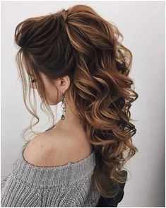 39 Trendy Hair Updos To Stunning This Winter