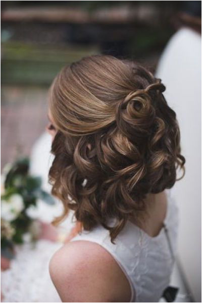 20 Gorgeous Prom Hairstyles for Girls With Short Hair