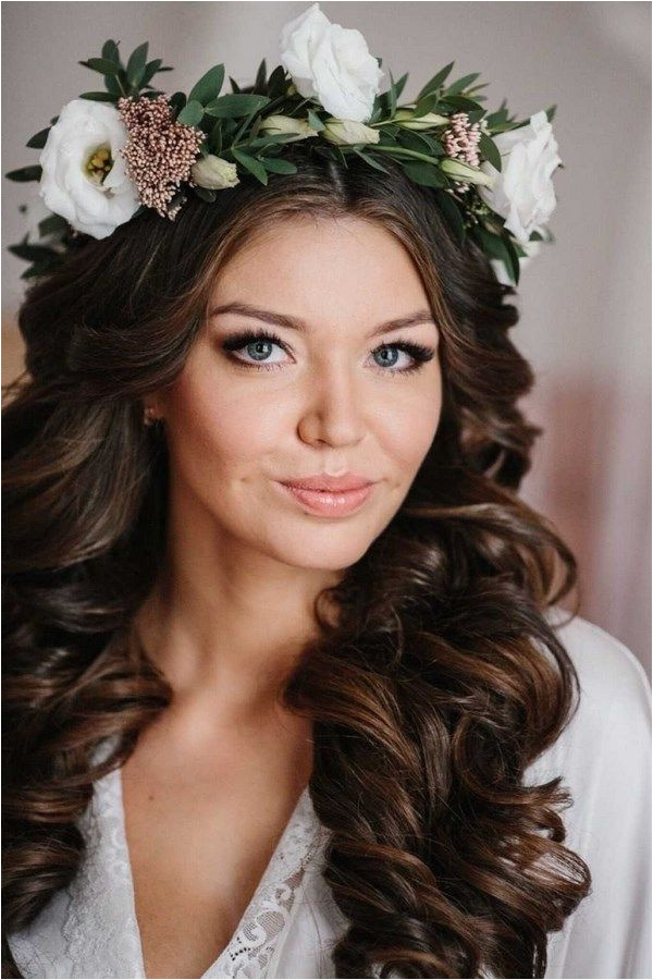 Bridal Hairstyles 2019 for brides Stylish bridal hairstyles photo We offer beautiful types of wedding hairstyles for brides for 2018 – 2019