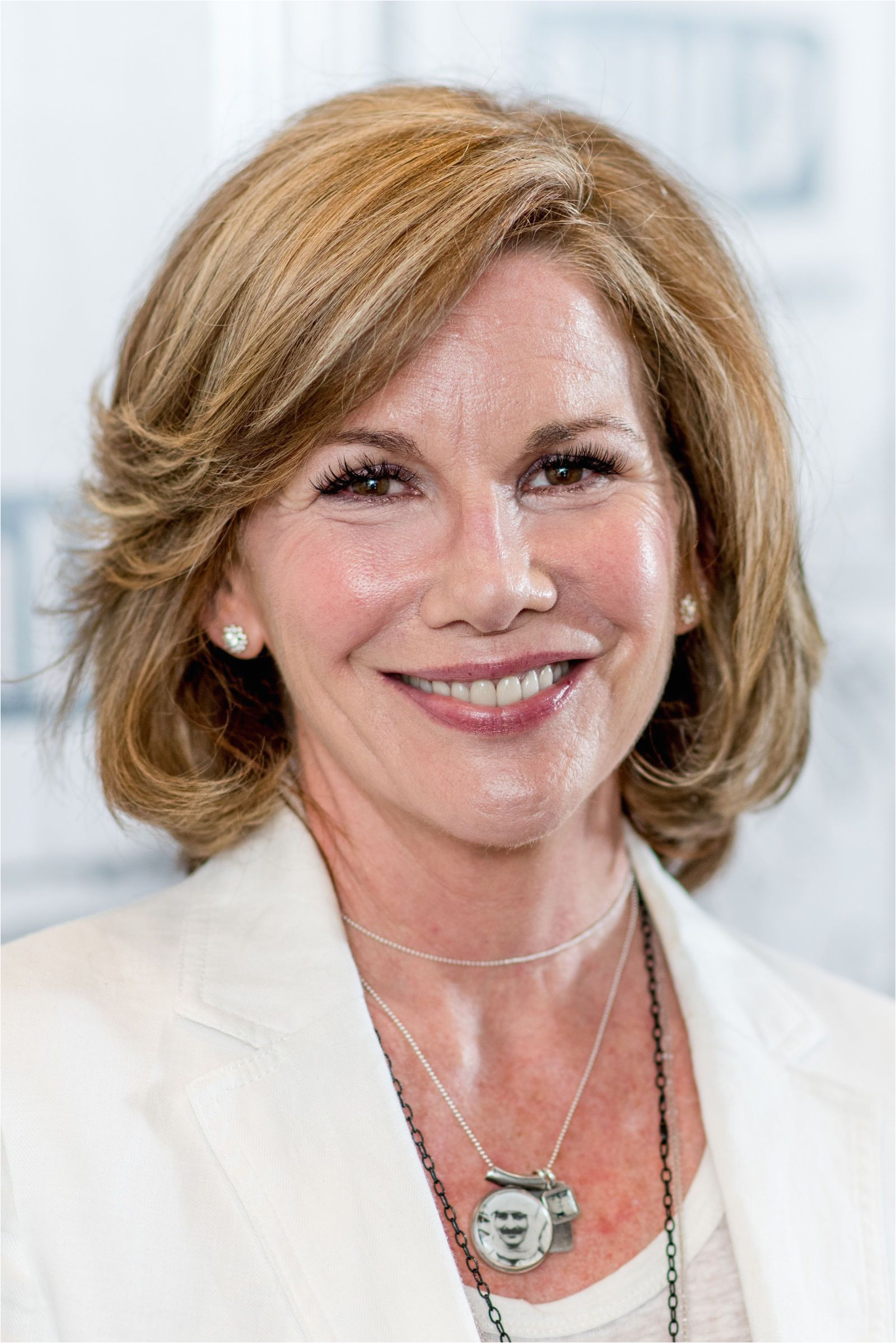Feathered Hairstyles Long Hair shag hairstyles over 40 Women Hairstyles Over 60 Jane Fonda