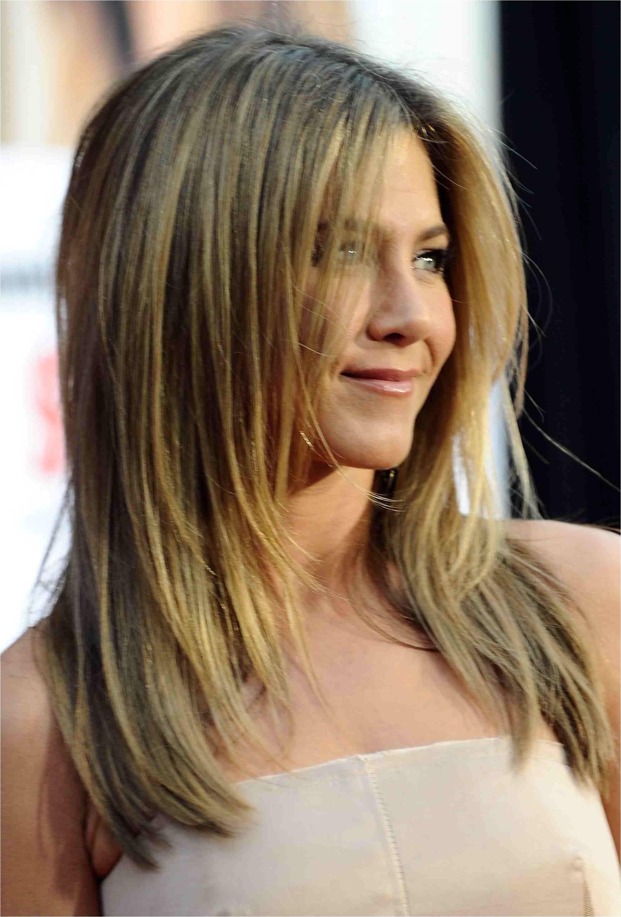 jen aniston darker long hair 56a0802a3df78cafdaa